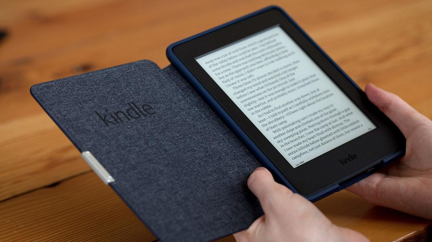amazon kindle paperwhite 2015 in hand 1500x1000 e1518598314644