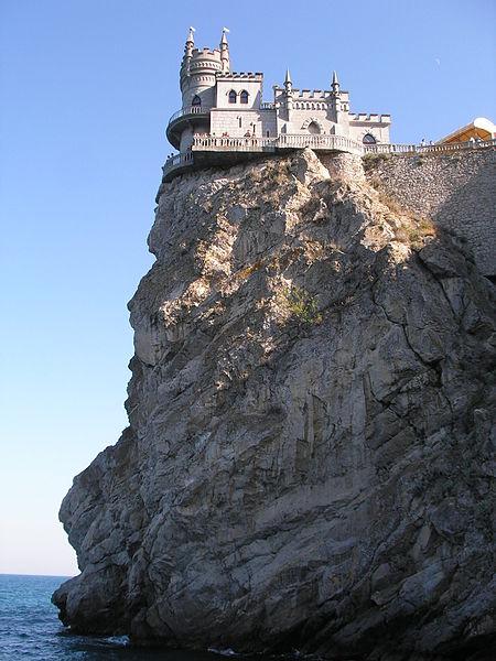 450px-Swallow's_Nest_(Crimea)_2007_vertical